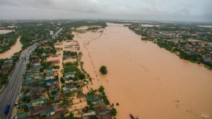 US aids central Vietnam $ 100,000 to cope with floods